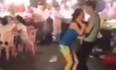 Clip đánh bạn gái dã man giữa phố khiến đàn ông cũng phải rùng mình
