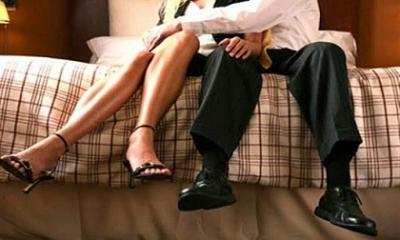 Chồng được nhân tình dìu đến tòa, vợ vẫn không muốn ly hôn