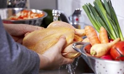 Chế biến thịt gà kiểu này không khác nào đang tự đầu độc cả gia đình, cần bỏ ngay