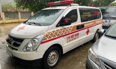 Xe cứu thương 'nhét' 12 người ở vùng dịch Bắc Ninh về Sơn La, mỗi người trả cước 300.000 đồng