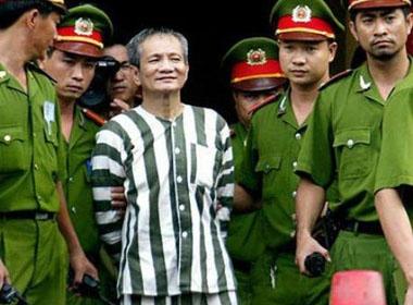 'Ông trùm' Năm Cam bội nghĩa khiến 'chiến trường' phá luật giang hồ