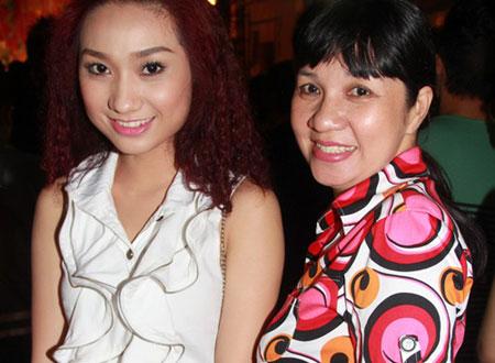 Diễn viên Cao Mỹ Kim và mẹ.