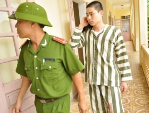 NÓNG 24h qua: Hình ảnh mới nhất về Lê Văn Luyện trong trại giam