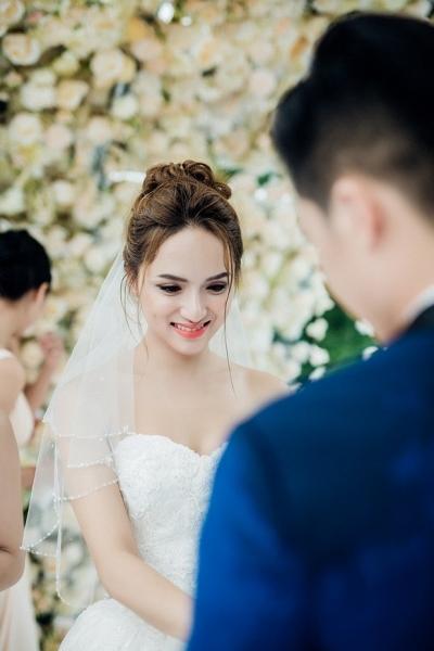 Đám cưới Hương Giang Idol 5