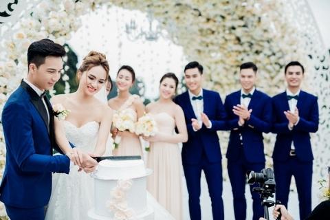 Đám cưới Hương Giang Idol 2