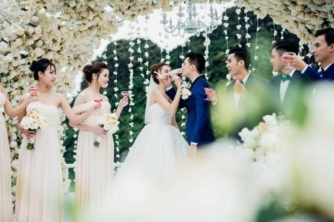 Đám cưới Hương Giang Idol 1