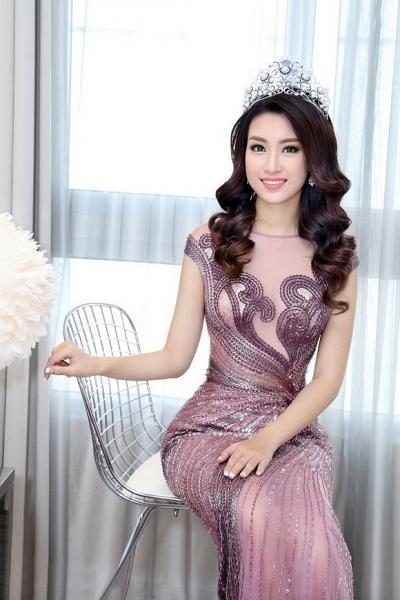 Hoa hậu Mỹ Linh đẹp không tỳ vết 4