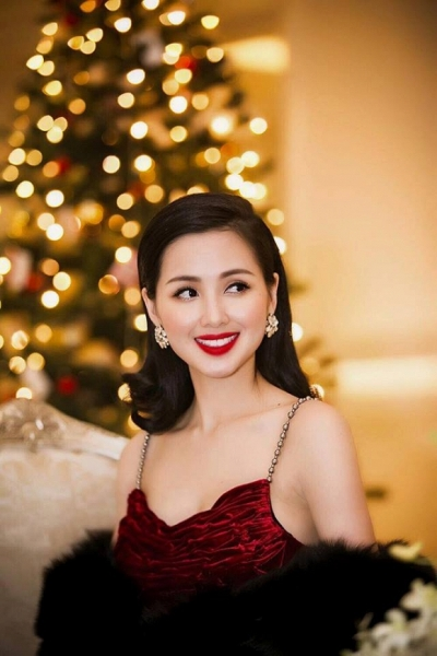 Tâm Tít xinh đẹp, kiêu sa trước thềm Giáng Sinh 0
