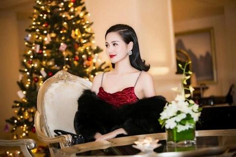 Tâm Tít xinh đẹp, kiêu sa trước thềm Giáng Sinh 4