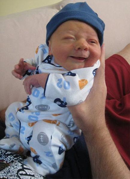 Những em bé vừa ra đời đã biến thành cụ già khiến ai nhìn cũng phải bật cười - Ảnh 6.
