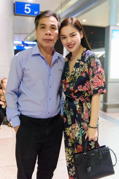 Con cái nổi tiếng nhưng bố mẹ Hà Tăng, Lam Trường vẫn bán bánh mì, làm lơ xe - 1
