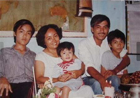 Con cái nổi tiếng nhưng bố mẹ Hà Tăng, Lam Trường vẫn bán bánh mì, làm lơ xe - 4
