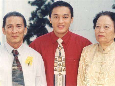 Con cái nổi tiếng nhưng bố mẹ Hà Tăng, Lam Trường vẫn bán bánh mì, làm lơ xe - 10