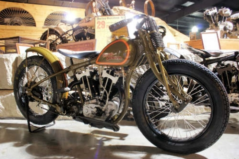Top 10 môtô cổ đắt đỏ nhất hành tinh - 9