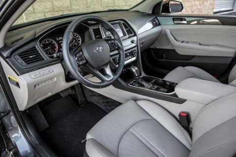 Hyundai Sonata 2018 có giá chỉ từ 500 triệu đồng - 2