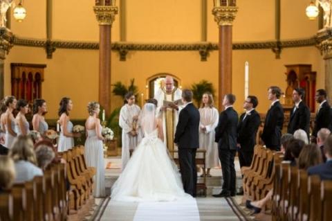 Sốc với món quà trên cả tưởng tượng nhân dịp kỉ niệm 5 năm ngày cưới của chồng - Ảnh 2.