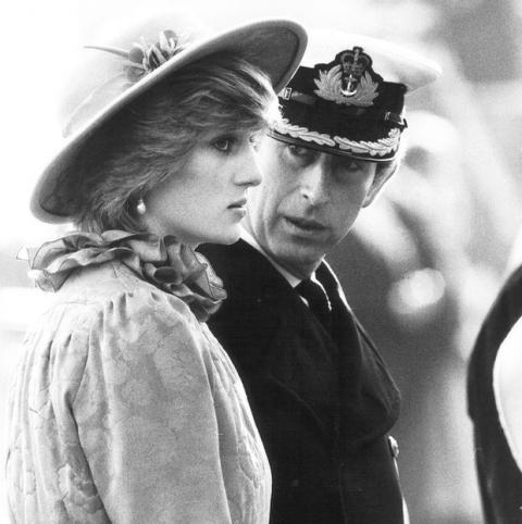 Những khoảnh khắc tố cáo sự suy sụp và dự báo tương lai bất hạnh của Công nương Diana lần đầu được tiết lộ - Ảnh 7.
