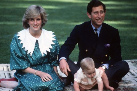 Những khoảnh khắc tố cáo sự suy sụp và dự báo tương lai bất hạnh của Công nương Diana lần đầu được tiết lộ - Ảnh 8.