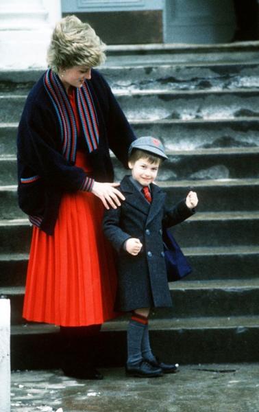 Những khoảnh khắc tố cáo sự suy sụp và dự báo tương lai bất hạnh của Công nương Diana lần đầu được tiết lộ - Ảnh 10.