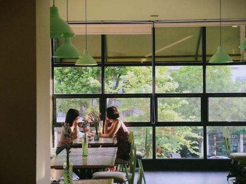 Nghỉ 2/9 nếu không đi đâu xa, check list các quán cafe cực xinh này ở Hà Nội cũng đủ đã rồi! - Ảnh 5.