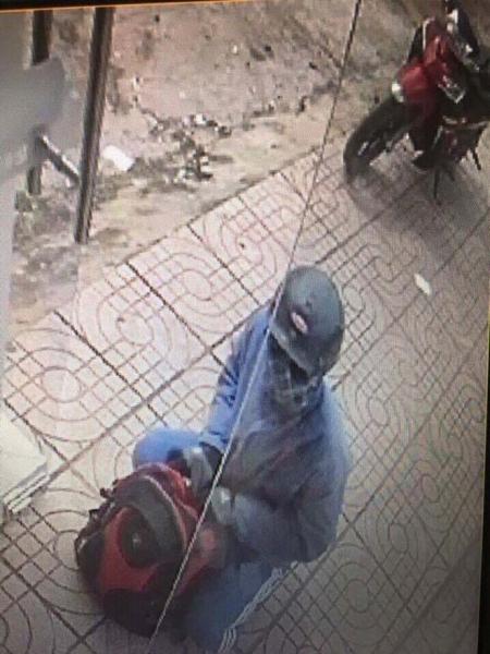 Phát hiện chiếc xe nghi của tên cướp ngân hàng ở Đồng Nai - 1