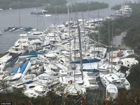 Khu vực Caribbe hoang tàn khi bão Irma đổ bộ, nhiều hòn đảo gần như bị phá hủy hoàn toàn - Ảnh 6.