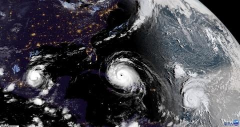 Florida vắng vẻ lạ thường trong cuộc sơ tán lớn nhất trong lịch sử Mỹ vì siêu bão