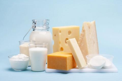 4 suy nghĩ sai lầm về sữa, phô mai, sữa chua cần tránh - 1
