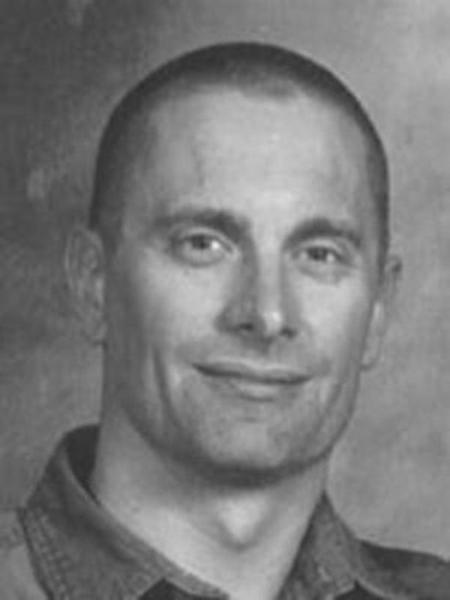 Chân dung 9 kẻ giết người táo tợn vẫn nhởn nhơ ngoài vòng pháp luật dù bị FBI truy lùng ráo riết - Ảnh 1.