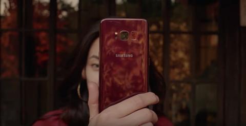 Top smartphone màu đỏ rực làm quà Noel 2017 - 1