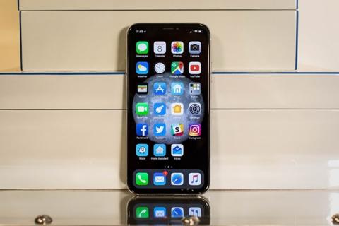 Vén màn bí ẩn Galaxy S9 khiến iPhone X