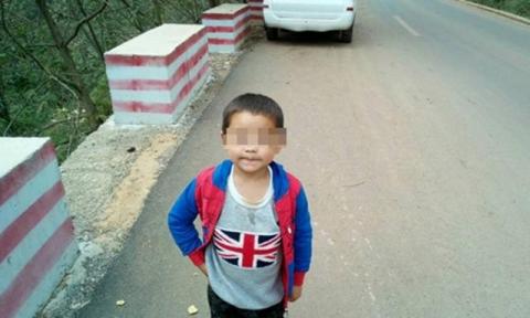 dot lua de suoi am, 4 be trai trong mot gia dinh tu vong thuong tam - 1