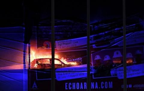Anh: Nguyên nhân 1.600 ô tô bị lửa 1.000 độ thiêu rụi đêm giao thừa - 2