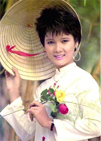 Nhan sắc xinh xắn của Kiều Khanh lúc đấy rất được hâm mộ. Vì ngưỡng mộ nhan sắc của Hoa hậu Áo dài nên mẹ của Á hậu cuộc thi Hoa hậu Thế giới người Việt 2010 cũng đã đặt tên con của mình là Kiều Khanh
