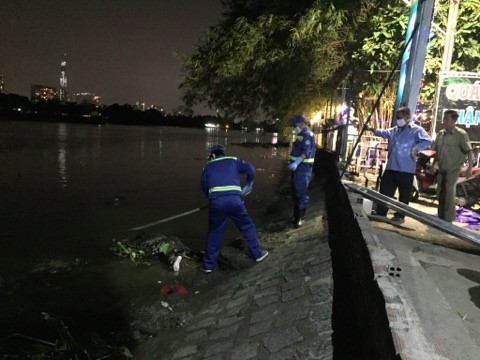 Phát hiện thi thể người đàn ông trương phình trôi dạt trên sông Sài Gòn - Ảnh 2.