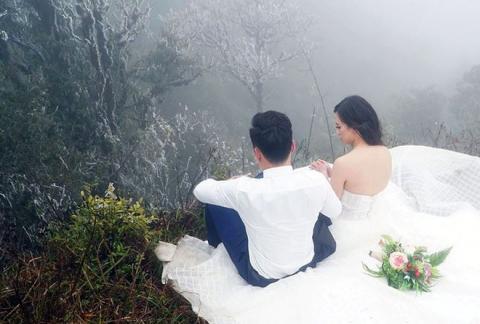 Những cô dâu vai trần thách thức thời tiết giá lạnh để có bộ ảnh cưới nghìn like - Ảnh 4.
