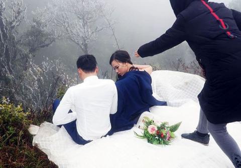 Những cô dâu vai trần thách thức thời tiết giá lạnh để có bộ ảnh cưới nghìn like - Ảnh 5.