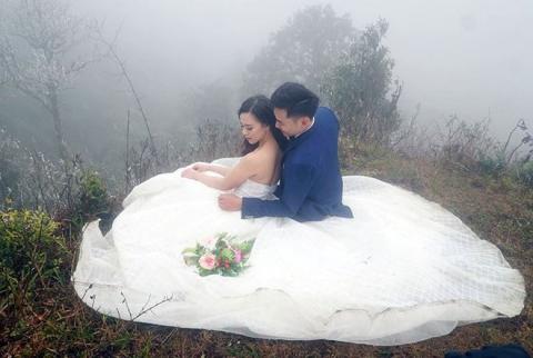 Những cô dâu vai trần thách thức thời tiết giá lạnh để có bộ ảnh cưới nghìn like - Ảnh 6.