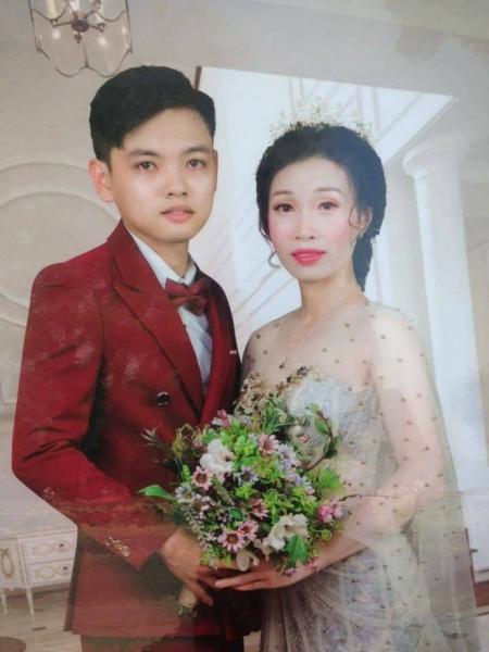 """Chú rể sinh năm 2000 và cô dâu 35 tuổi: Đám cưới """"chênh hơn 1 giáp"""" ở Hưng Yên gây xôn xao MXH - Ảnh 3."""