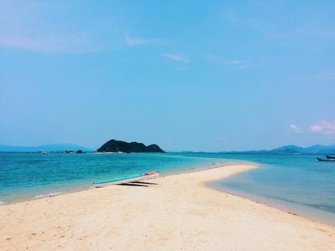 Hè đến Khánh Hòa trải nghiệm con đường xuyên biển đẹp nhất Việt Nam - 1