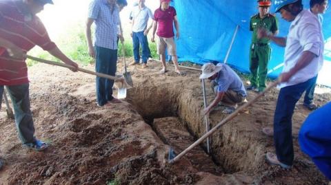 Vụ khai quật tử thi nữ kế toán: Luật sư nói chiếc bật lửa gần thi thể chưa được làm rõ