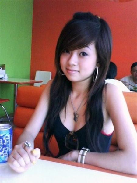 Nhớ thời Yahoo để tóc sư tử, chụp ảnh chu môi của hot teen Việt
