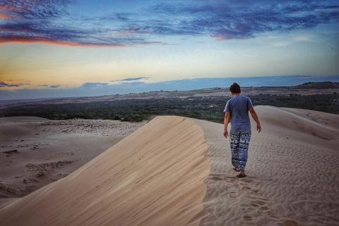 Sảng khoái với trải nghiệm trượt cát ở Mũi Né - 1