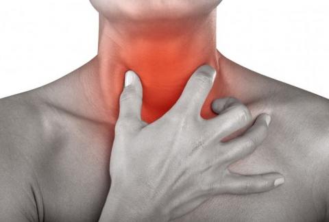 Đau họng kéo dài: Dấu hiệu cảnh báo ung thư không thể bỏ qua - 1