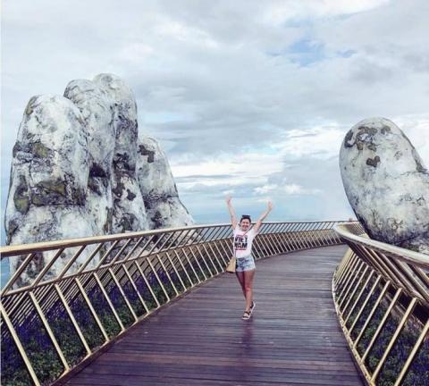 Dân tình bấn loạn trước cây cầu vàng hình bàn tay khổng lồ ở Đà Nẵng, rần rần rủ nhau đến check in - Ảnh 9.