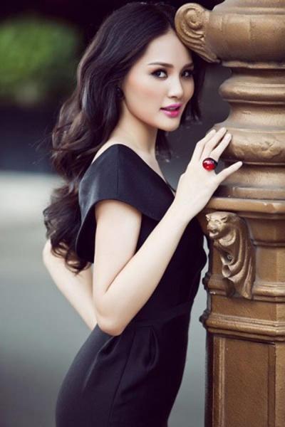 Cuộc sống của mỹ nhân Việt 7 lần thi hoa hậu, được vinh danh đẹp nhất châu Á giờ ra sao? - Ảnh 11.