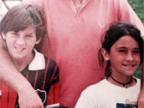 Lionel Messi - chàng cầu thủ biết yêu từ năm... 9 tuổi nhưng từ đó đến nay đã 22 năm chỉ chung thủy với duy nhất một người - Ảnh 4.