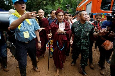 Lời tiên tri kỳ bí của nhà sư Thái Lan về đội bóng mất tích - 2