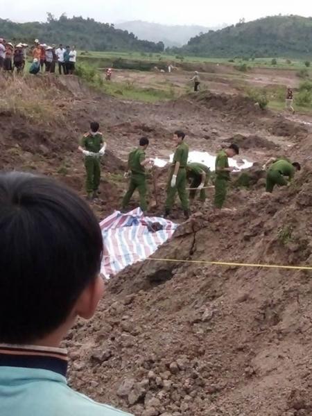 Giết vợ, chôn xác sau vườn 10 năm mới bị phát hiện - 2