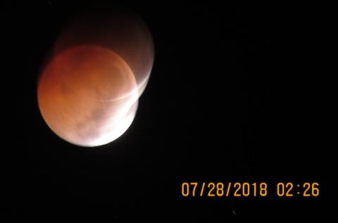 """Ảnh """"trăng máu"""" tại Việt Nam do nguyệt thực toàn phần rạng sáng 28/7 - 6"""